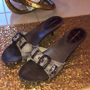 👠 Burberry Heels